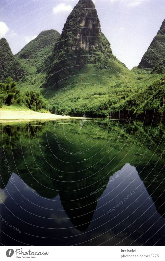 sugar loaf mountains Water reflection Vacation & Travel China Los Angeles Guilin Mountains