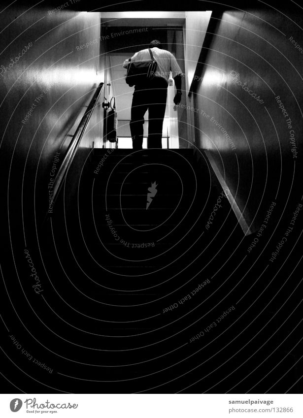 Every day Man Shadow Detail escada P&B B&W preto e branco homem sombrio stairway Black & white photo shady Stairs Black and White