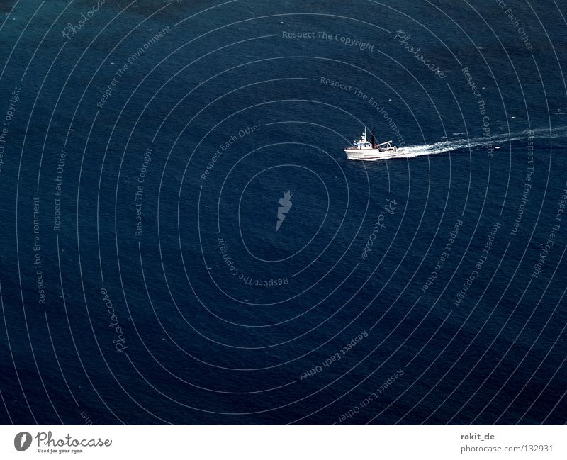 Water Ocean Loneliness Watercraft Waves Island Fish Driving Vantage point Under Gale Navigation Deep Fishing (Angle) Narrow Downward