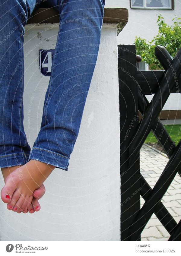 street session Nail polish Red Multicoloured Narrow Fence Brown Wood Wall (barrier) Green Meadow Pants Barefoot Summer Relaxation Physics Safety (feeling of)