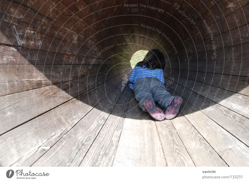 Woman Human being Child Girl Sun Wood Art Lie Perspective Round Mysterious Vantage point Few Minimal Hiding place Insight