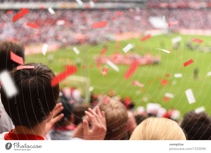 Human being Hand Red Joy Sports Playing Lifestyle Leisure and hobbies Success Soccer Help Curve Audience Sporting event Fight Sportsperson