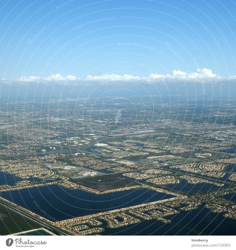 Sky City Clouds Street Airplane Weather USA Net Traffic infrastructure Airplane landing Build Florida Settlement Miami Infrastructure Build on