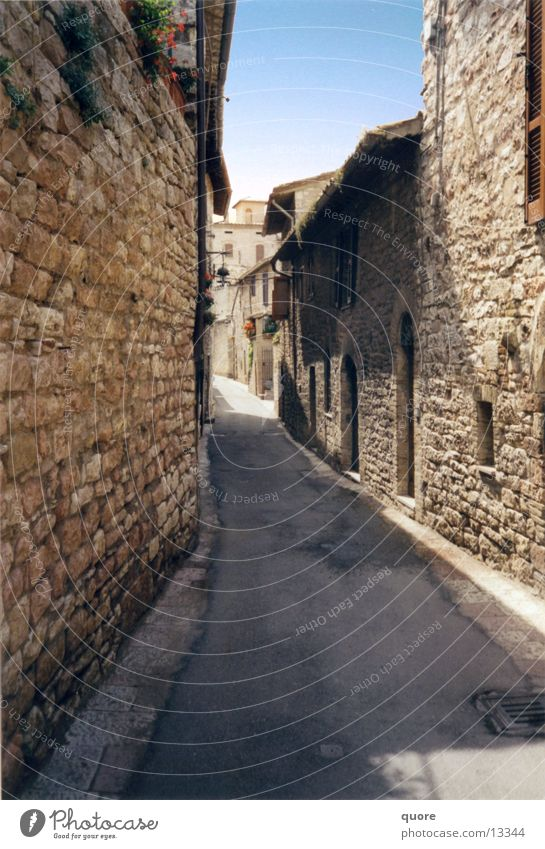 Sun Summer Vacation & Travel Europe Italy Alley Tuscany Assisi