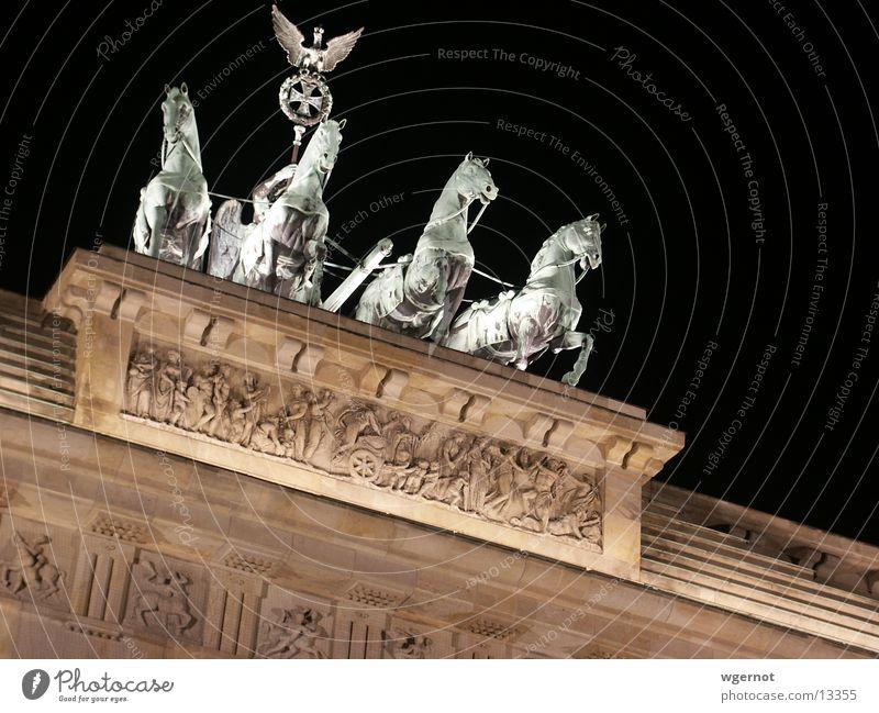 Berlin Wall (barrier) Moody Horse Historic Brandenburg Gate