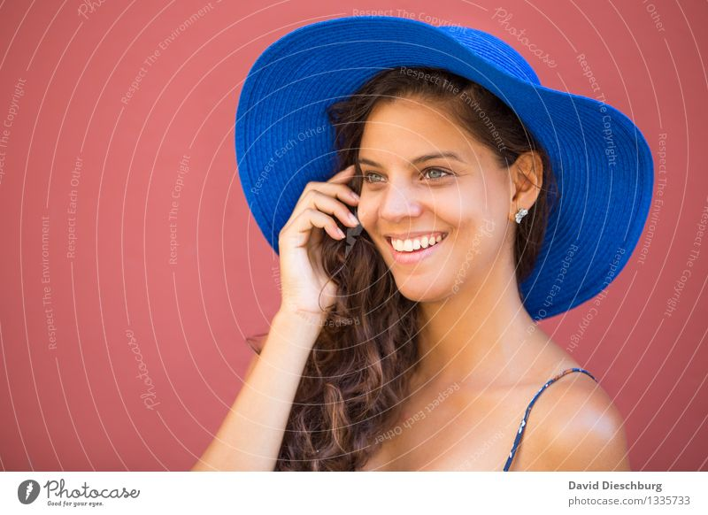 Happy down to the last detail Vacation & Travel Feminine Young woman Youth (Young adults) Head Face Hand 1 Human being 18 - 30 years Adults Hat Brunette