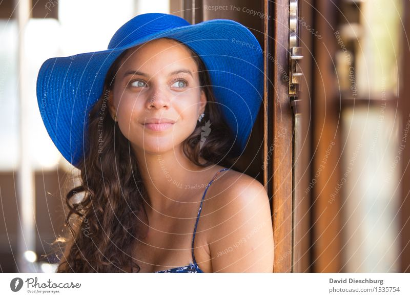 window seat Vacation & Travel Sightseeing Summer vacation Feminine Young woman Youth (Young adults) Face 1 Human being 18 - 30 years Adults Window Hat Brunette