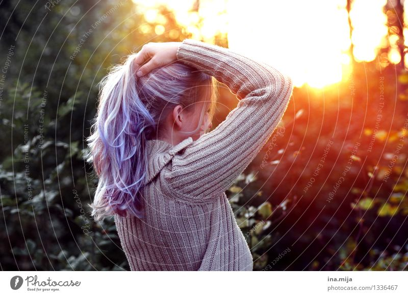 Enjoy the light Light Light (Natural Phenomenon) Nature Environment Woman Youth (Young adults) Young woman Violet Hair and hairstyles Hair colour Long-haired
