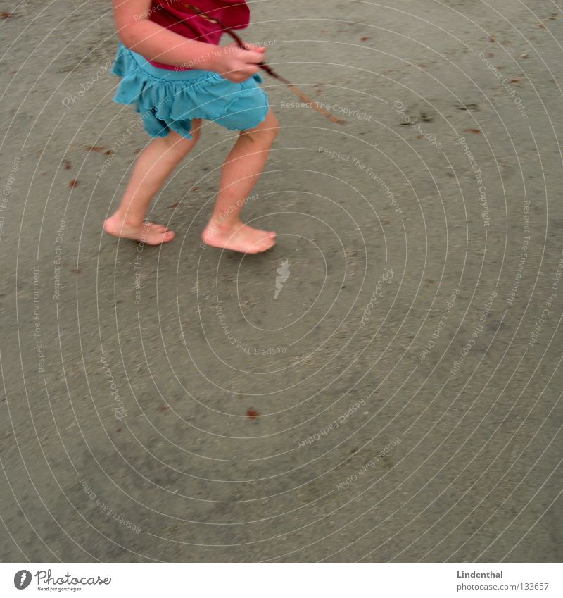 Runn'in Girl Child Beach Ocean Turquoise Pink Speed Creep Stick Pen Running Sand Feet Painting (action, work)