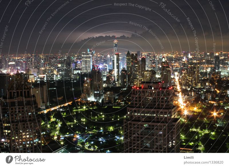 Vacation & Travel City Feasts & Celebrations Business Horizon Tourism Modern Transport High-rise Large Fear of heights Skyline Capital city Stress Bar