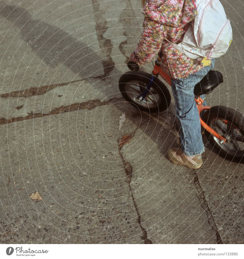 Child Joy Street Life Playing Movement Lanes & trails Bicycle Small Pink Concrete Study Driving Target Leisure and hobbies Forwards