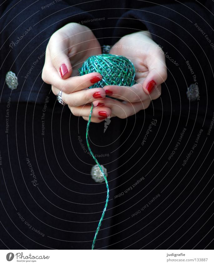 Woman Hand Green Red Colour Black Skin Fingers String Craft (trade) Sewing thread Magic Varnish Knot Wool Fingernail