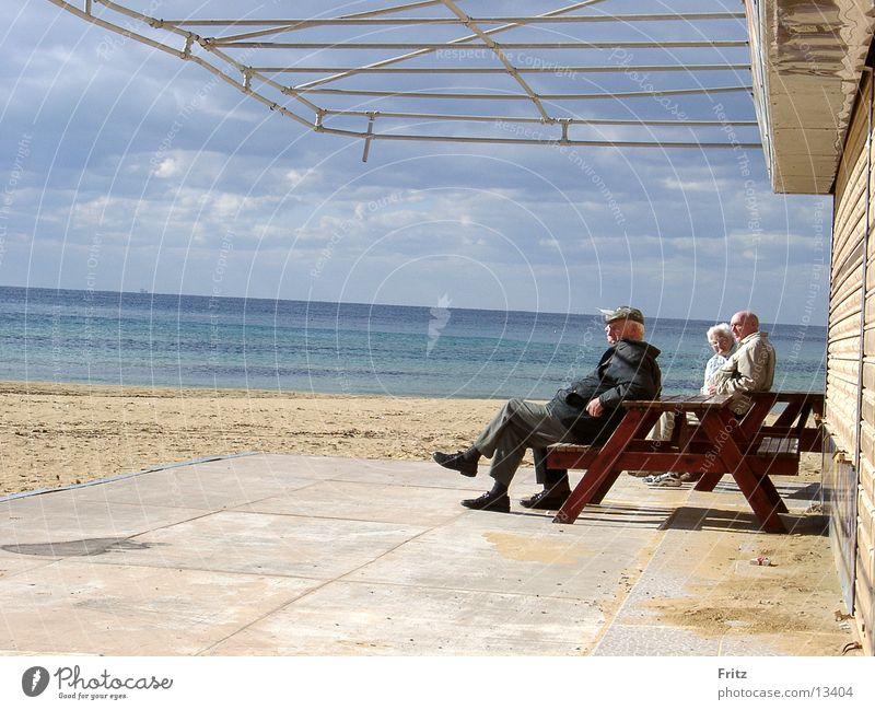 sunbath Senior citizen Vacation & Travel Ocean Group Sun Care of the elderly