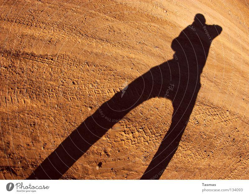 Sun Sand Earth Electricity Posture Desert Anger Fight Aggravation Stagnating Handgun Shot Shoot Mars Anxious Brand of cigarettes