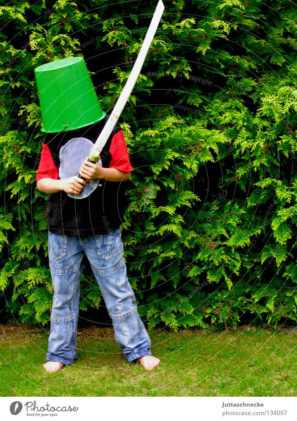 Child Green Joy Boy (child) Playing Garden Communicate Protection Mysterious Hide Sporting event Fight Helmet Bucket Dress up Knight