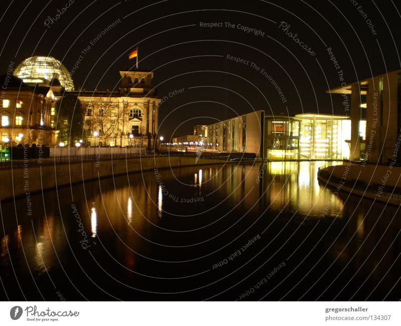 Berlin Night 1 Reflection Dark Domed roof Black Landmark Town Politics and state Ensign Tourism Exterior shot Building Manmade structures Monument Germany