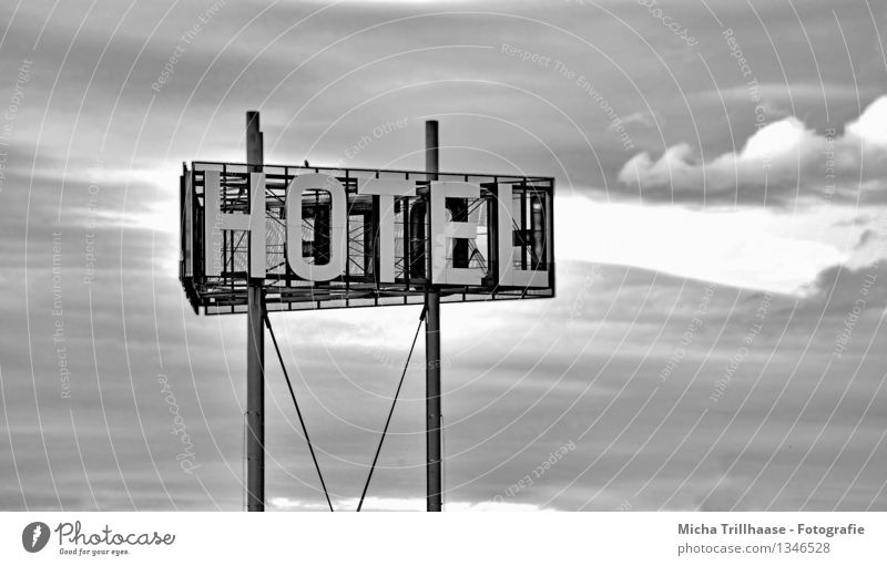 To the Hotel Vacation & Travel Tourism City trip Services Business Sky Clouds Storm clouds Signs and labeling Signage Warning sign Sleep Black White Relaxation