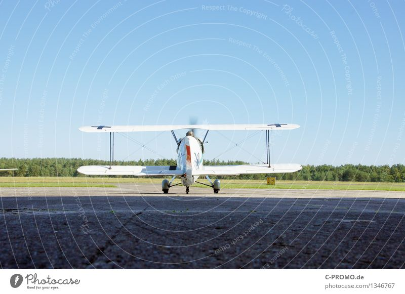 Sky Blue Landscape Forest Air Aviation Beginning Airplane Airplane takeoff Departure Cloudless sky Airplane landing Airport Runway Propeller Propeller aircraft