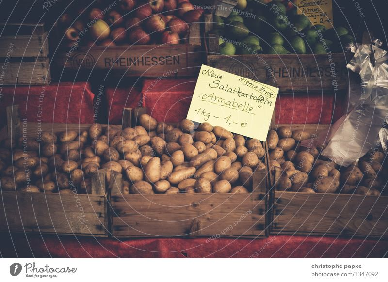 Potatoes from the region on market stall Food Vegetable Nutrition Healthy Eating Organic produce Fruit- or Vegetable stall Greengrocer Vegetarian diet
