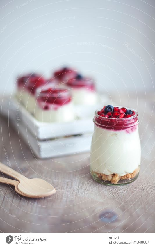 Cheesecake in a jar Yoghurt Fruit Dessert Candy Nutrition Breakfast Buffet Brunch Picnic Vegetarian diet Delicious Sweet White Glass cheesecake Colour photo