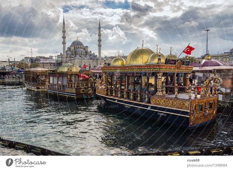 Istanbul Vacation & Travel House (Residential Structure) Water Clouds Town Harbour Building Architecture Tourist Attraction Watercraft Tourism Tradition Turkey