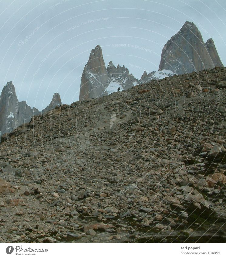 Mountain Lanes & trails Hiking Chile Argentina South America Gravel Patagonia Maximum output Fitz Roy mountain