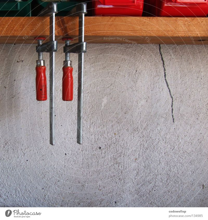 Red Wall (building) Work and employment 2 In pairs To hold on Attachment Wooden board Craft (trade) Crack & Rip & Tear Workshop Tool Equal Atelier Twin Bracket
