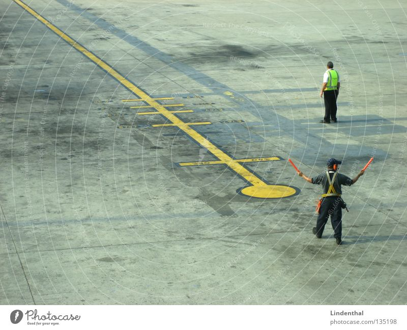 Vacation & Travel Airplane Aviation Safety Airport Testing & Control Employees & Colleagues Wave Vest Assignment Glowstick