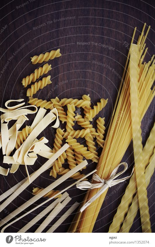 Yellow Love Background picture Food Nutrition Tradition Wooden table Noodles Italian Food Spaghetti