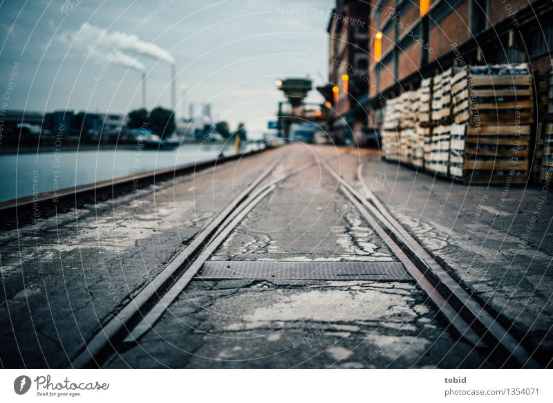 City Dark Wall (building) Lanes & trails Wall (barrier) Logistics Harbour Factory Jetty Exhaust gas Chimney Industrial plant Switch Rail transport