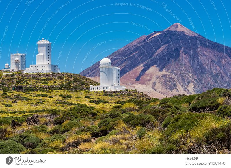 Observatorio del Teide Vacation & Travel Mountain Nature Landscape Cloudless sky Volcano Observatory Manmade structures Building Architecture Tourist Attraction