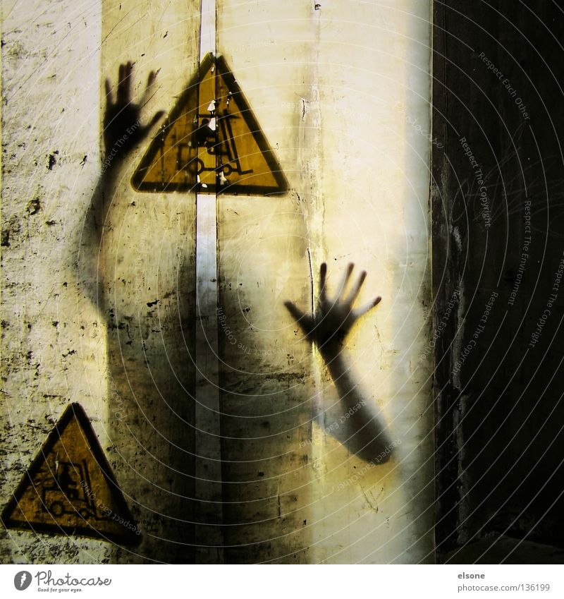 .:I:. Hand Yellow Drape Mysterious Human being hands picto triangle
