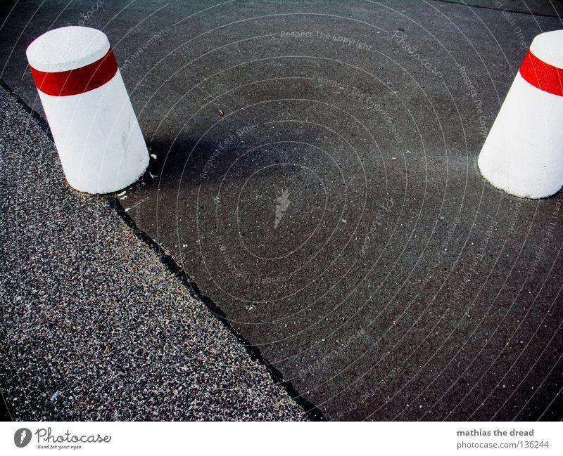 City Black Cold Stone Lanes & trails Road traffic Concrete Transport Crazy Round Floor covering Asphalt Stripe Traffic infrastructure Barrier Warning label