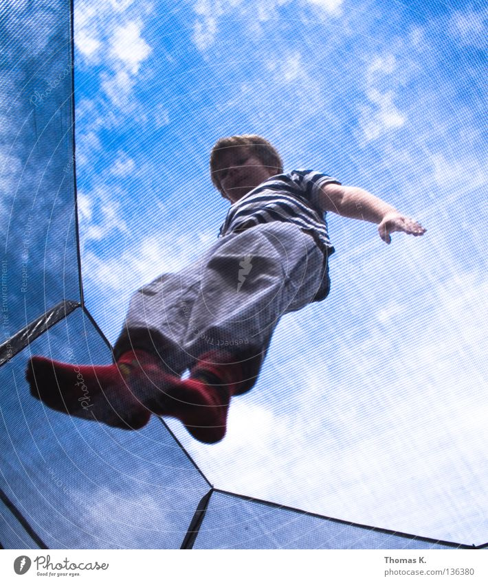 Child Joy Playing Boy (child) Jump Floor covering Safety Net Insurance Catching net Hop Salto Trampoline Acrobatics