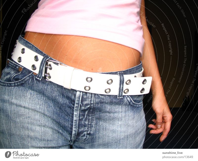 Hip_Spektakel Feminine Posture Woman Stomach Detail