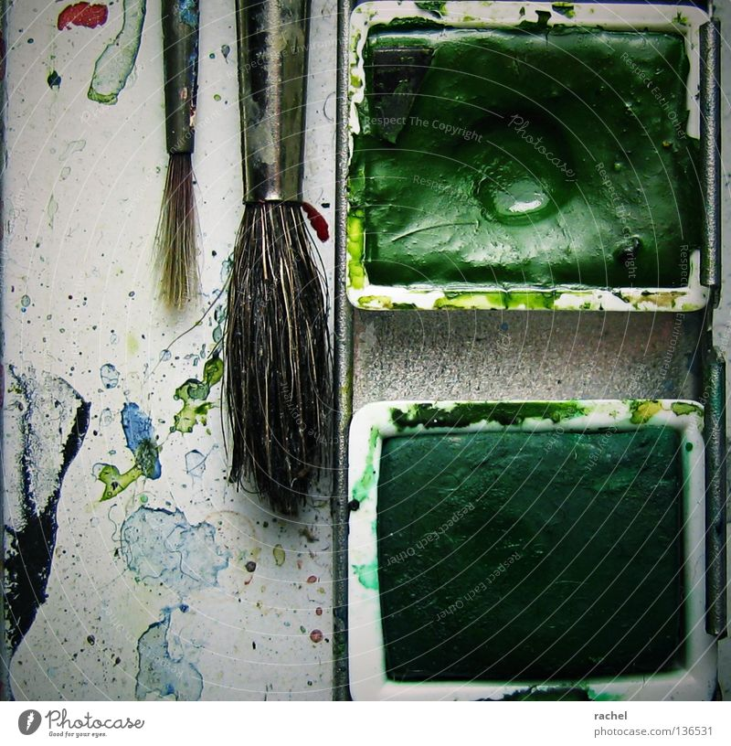 Green Hair and hairstyles Dye Art Leisure and hobbies Dirty Image Painting (action, work) Illustration Creativity Draw Painting and drawing (object) Craft (trade) Tool Paintbrush Painter