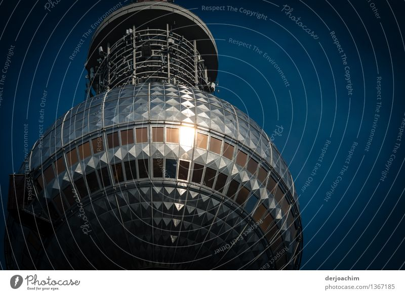 Illuminated Design Calm Trip Tower Television tower Sky Autumn Beautiful weather Town Berlin Germany Capital city Deserted Manmade structures Tourist Attraction