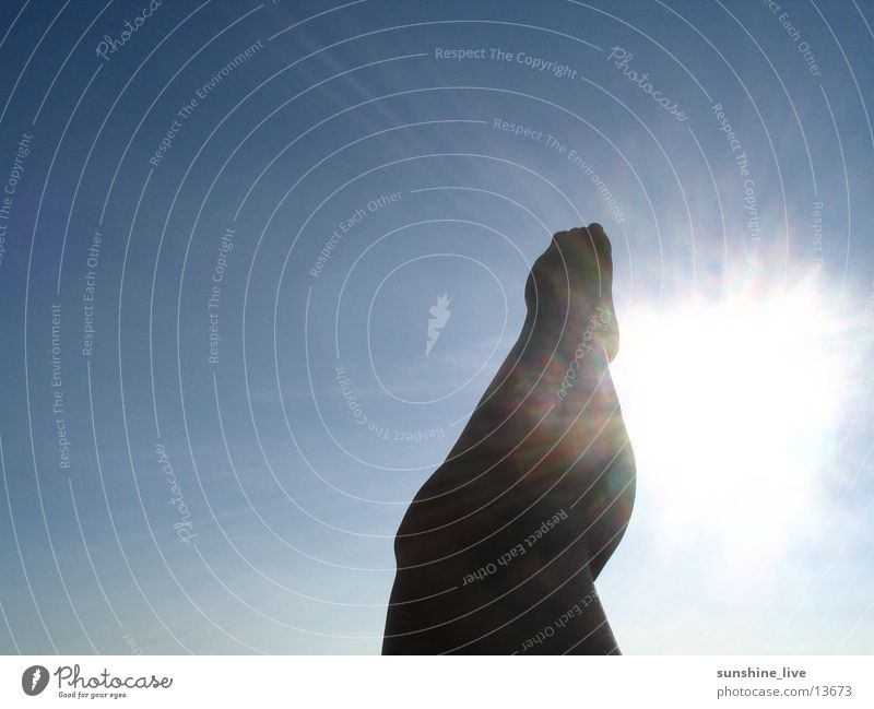 Human being Sky Sun Feet Warmth Legs Physics Knee Calf