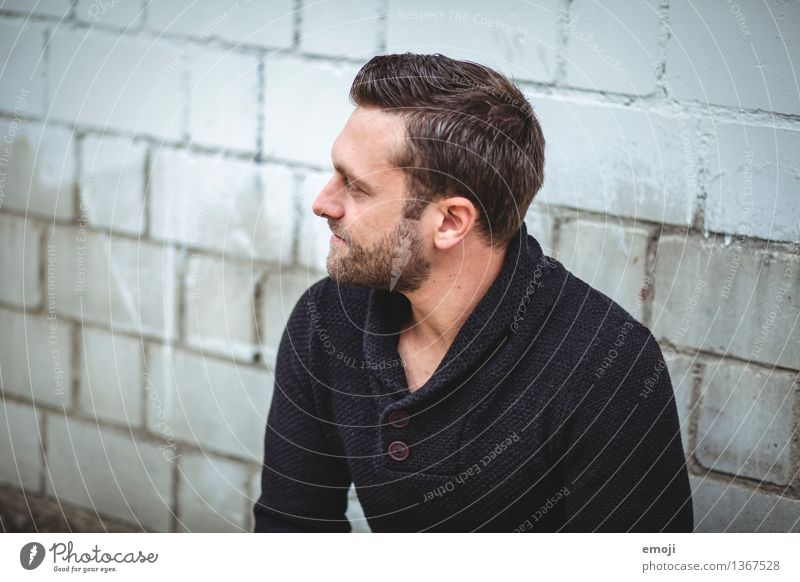 profile Masculine Young man Youth (Young adults) Man Adults 1 Human being 18 - 30 years Brunette Short-haired Facial hair Designer stubble Hip & trendy