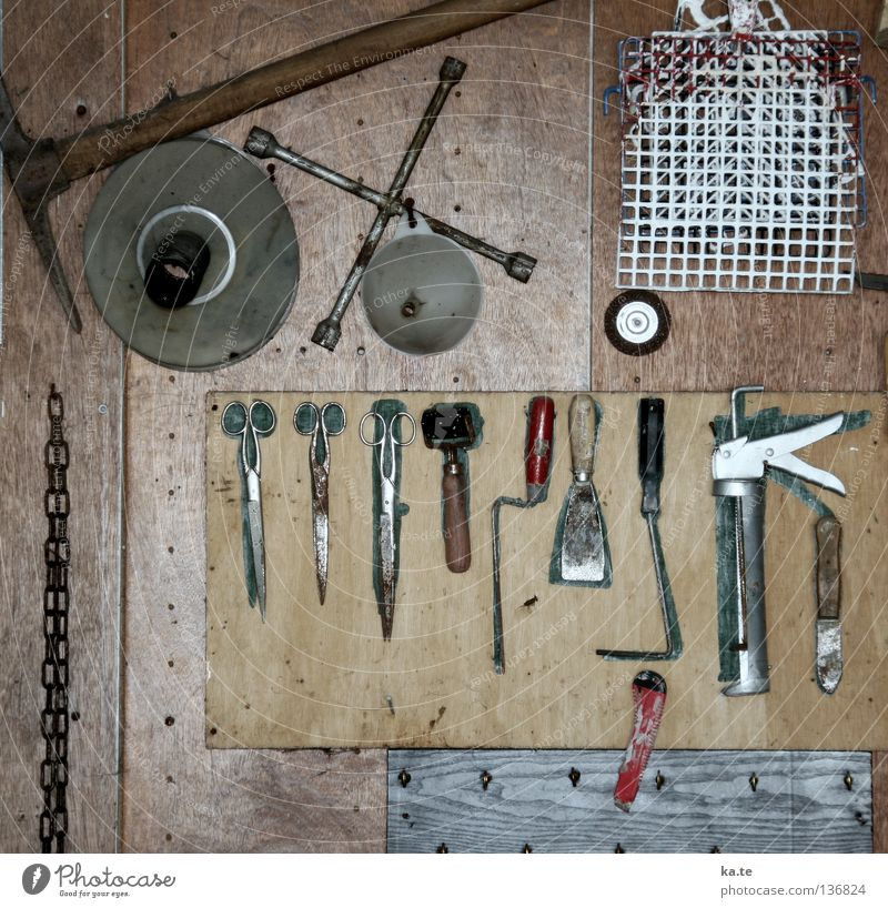 Wall (building) Wood Gray Metal Germany Brown Work and employment Leisure and hobbies Arrangement Rust Craft (trade) Workshop Hang Tool Chain Silver