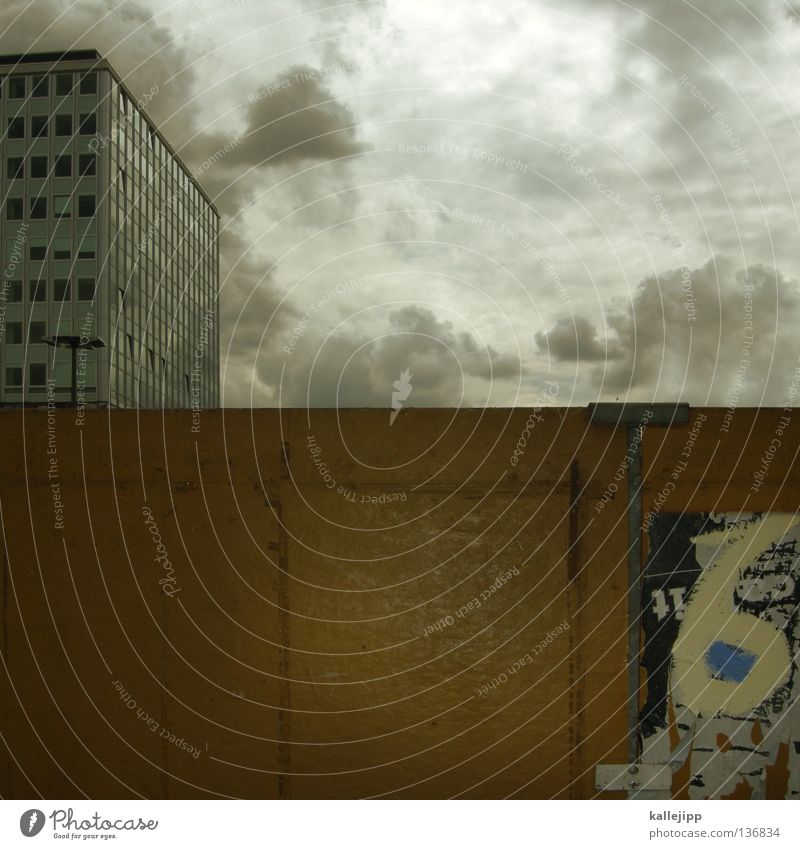 House (Residential Structure) Clouds Street Berlin Wall (building) Window Wood Wall (barrier) Line Graffiti Art High-rise Simple Trash Point Middle