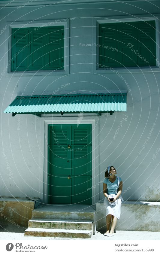 CHILLIN' GREEN ON MALE Green Turquoise Mint green House (Residential Structure) Entrance Window Woman Tourist Tourism Maldives India White Vacation & Travel