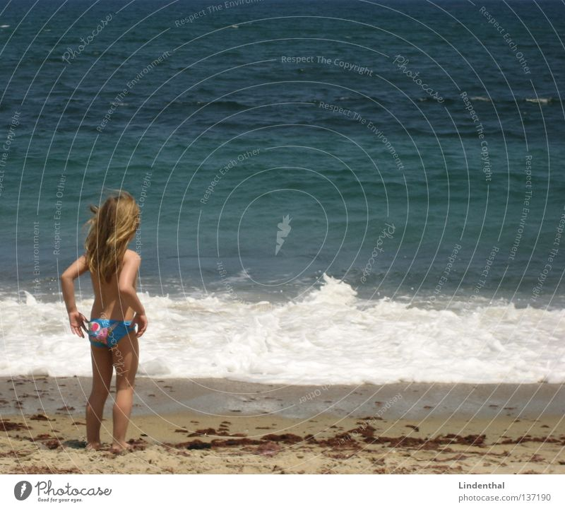 Child Girl Ocean Perspective Foam Cliff Enthusiasm Crouch Marvel
