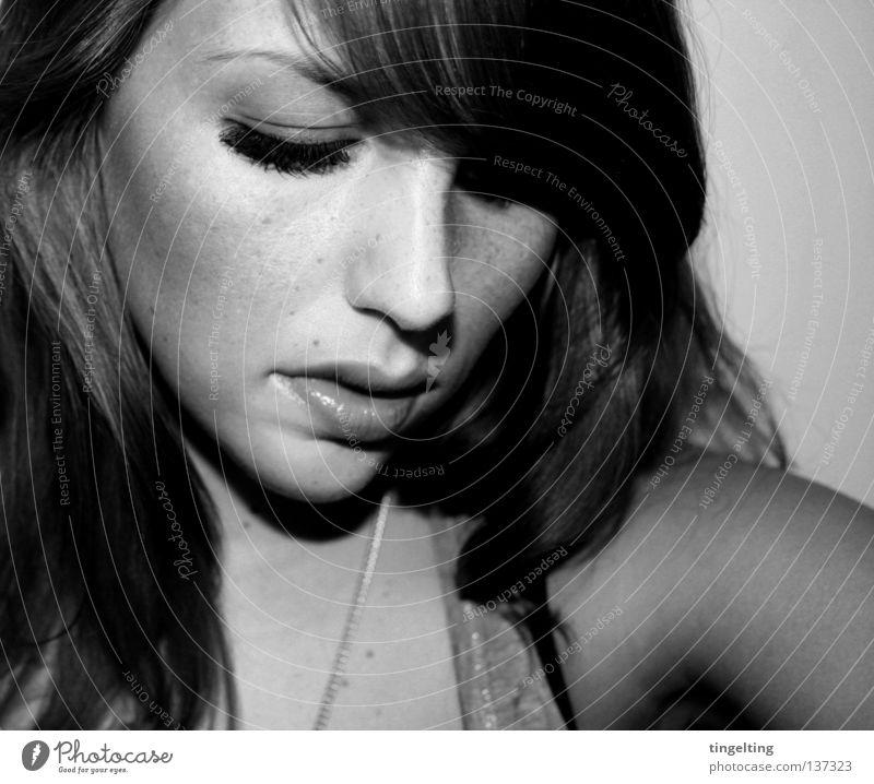 Woman White Face Black Eyes Feminine Hair and hairstyles Mouth Arm Nose Near Chain Shoulder Eyelash Bangs Black & white photo