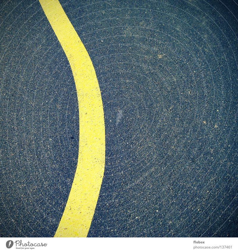 Yellow lines are what people need Street boundary Country road Movement Subsoil Asphalt Vehicle Surface Rough Curb Stripe Cycle path Traffic lane Highway