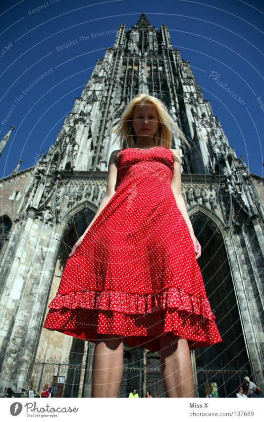 Big Ces Hair and hairstyles Face Woman Adults Dome Manmade structures Dress Blonde Large Tall Red Might Religion and faith Ulm In transit Gothic period