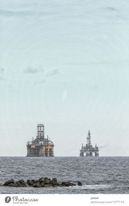 Sky Blue Ocean Clouds Yellow Gray Horizon Energy industry Technology Sustainability Hideous Oil production Drilling rig