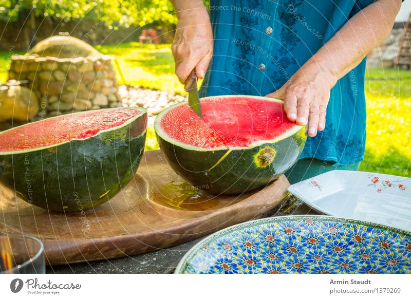 Cut melon Food Fruit Diet Knives Lifestyle Luxury Style Healthy Healthy Eating Summer Living or residing Human being Masculine Man Adults Hand 1 Nature Garden