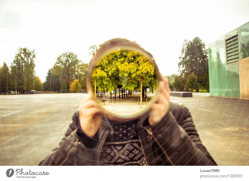 Mirror with hole Photographer Human being Masculine Young man Youth (Young adults) Man Adults 1 13 - 18 years 18 - 30 years Tree Green Creativity Hollow