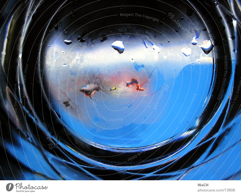 Water Blue Rain Watercraft Glass Drops of water Perspective Drinking Vantage point Things Dull Breath Photographic technology Drown Tumbler Porthole